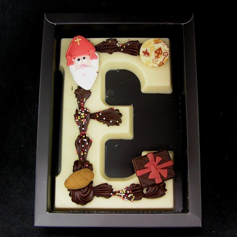 Chocoladeletter (A tot Z) in wit, handgedecoreerd